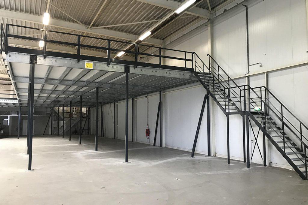 Verdiepingsvloer trap met tussenbordes 01